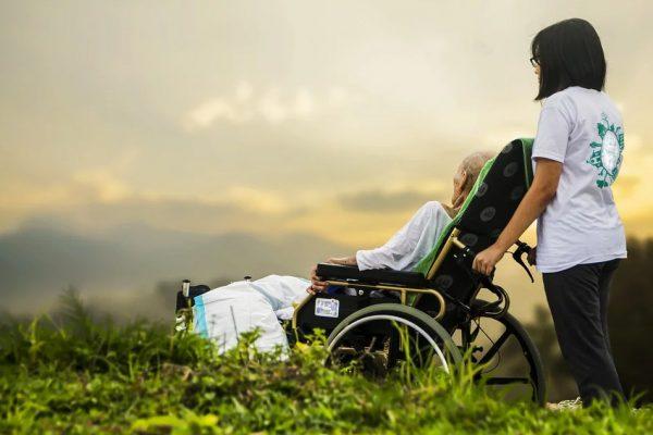 Cuidado paliativo: proteção e amparo ao paciente e à sua família